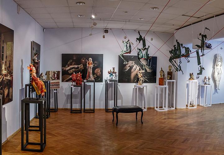 Выставка-исследование «КУКОЛЬНЫЕ ИСТОРИИ»
