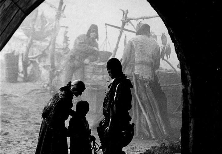 «Трудно быть богом» Алексея Германа-старшего и материальная культура Арканара. 18+