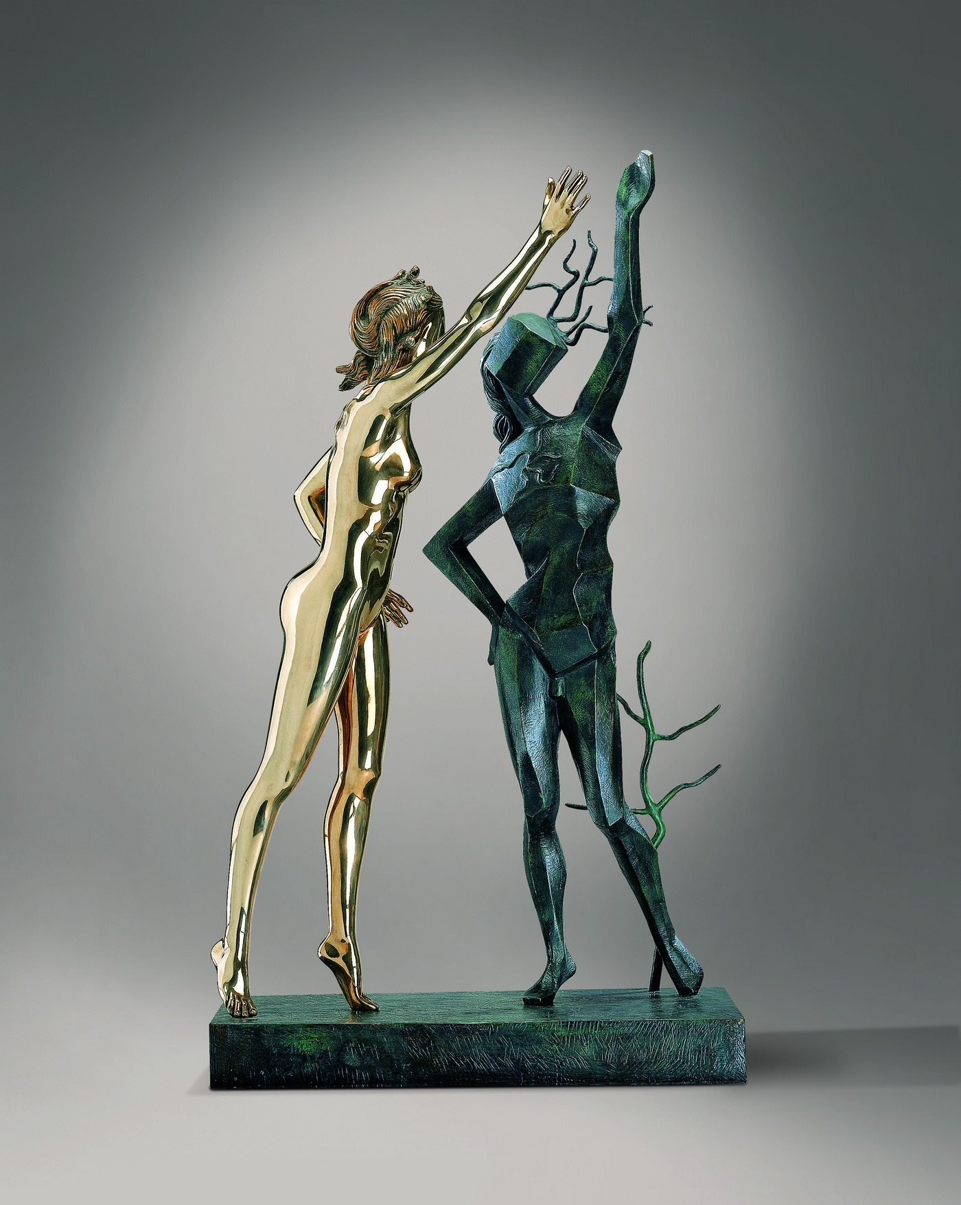 Прославление Терпсихоры © IAR Art Resources Ltd. Высота скульптуры 187 см