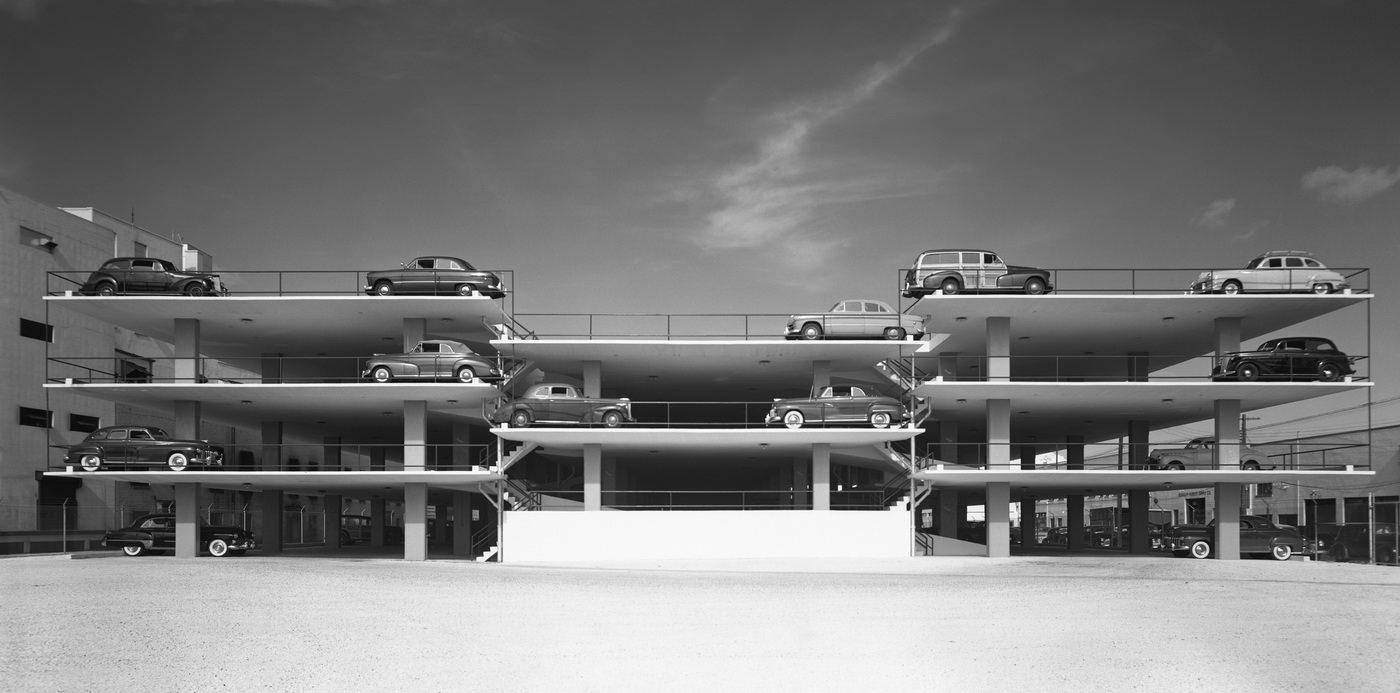 Эзра Столлер. Парковка в Майами. Арх.: Роберт Ло Уид и партнеры. Майами, шт. Флорида, 1949