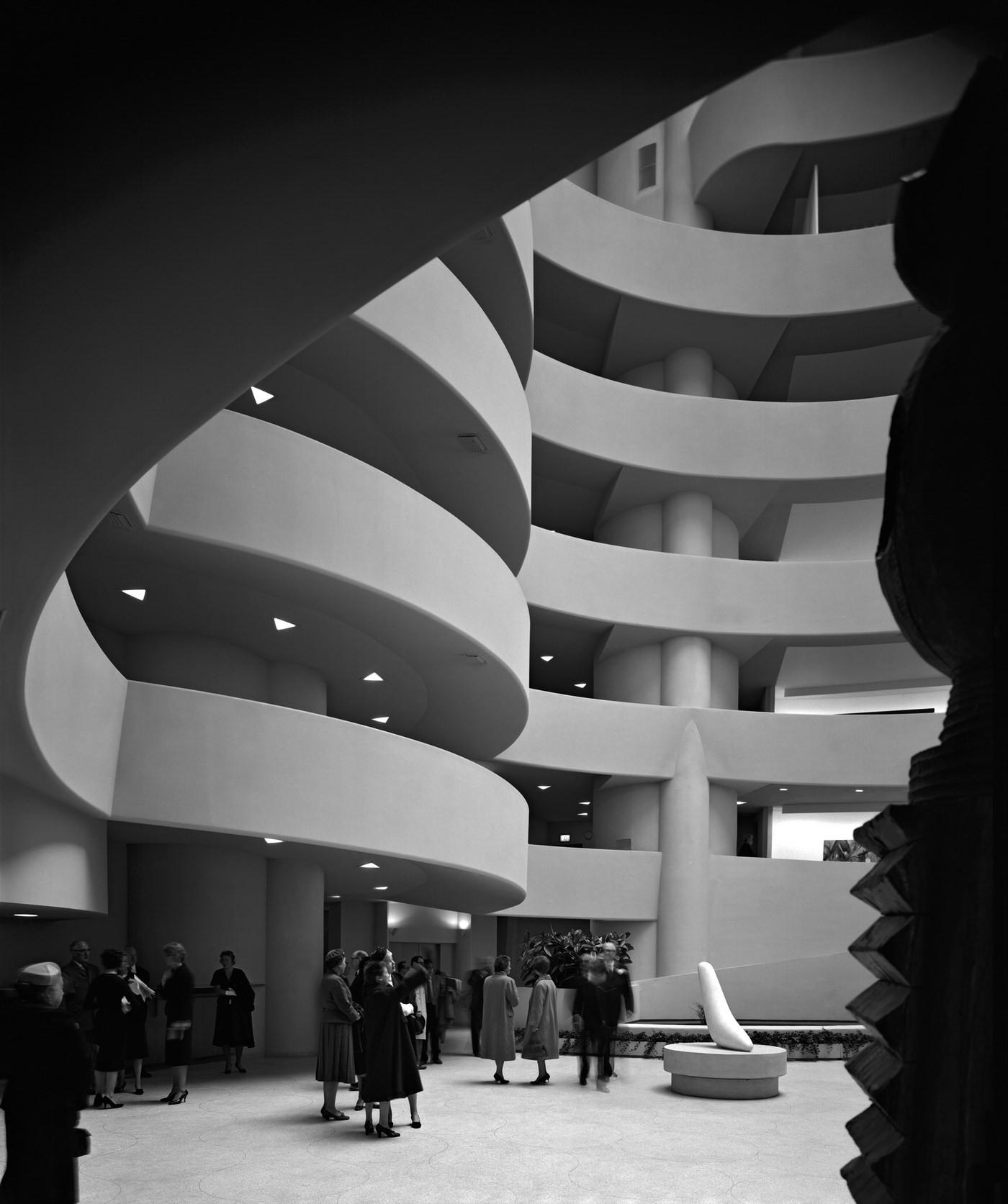 Эзра Столлер. Музей Соломона Гуггенхайма. Арх.: Фрэнк Ллойд Райт. Нью-Йорк, шт. Нью-Йорк, 1959
